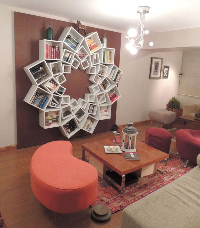 Knižnica v tvare kvetu