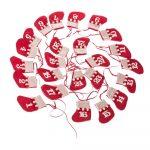 Červený textilný závesný adventný kalendár z ponožiek Dakls, dĺžka 200 cm