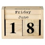Drevený kalendár Bloomingville Calendar